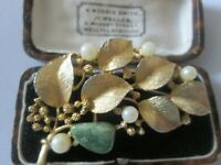 VINTAGE SIGNED LISNER FAUX PEARL AND GREEN AGATE FLOWER LEAF BROOCH PIN