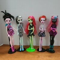 Lot of 5 Monster High Dolls With Clothes Draculaura Catty Venus Operetta Frankie