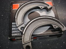 Lambretta Vega Lui Cometa Brake Shoes Front (2EE161)
