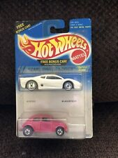HOT WHEELS MINT ON CARD 1995 PEARL DRIVER SERIES 2 PACK WITH VW BEETLE & JAGUAR