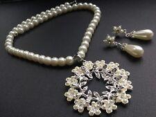Molto Elegante Collana di perle e Pendente e Orecchini Set Sposa Damigella D'onore