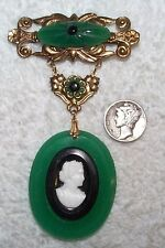 VINTAGE HUGE STUNNING CAMEO & PEKING GLASS BRASS PIN BROOCH WOW!! GREEN