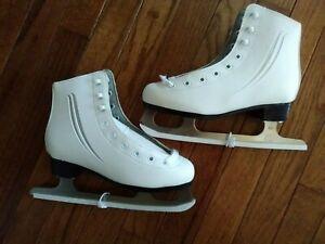 Lake Placid Cascade White Figure Ice Skates Youth Girls Size 2 NEW