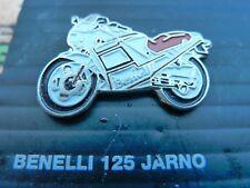 PIN'S MOTO/   BENELLI 125 JARNO