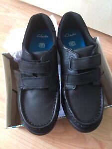 Clarks Boys School Shoes Size 2.5g