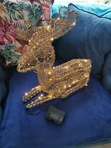 LED Light Up  Figure Wire Frame Reindeer  Decoration different light settings