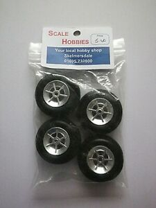 MODEL  WHEELS AND TYRES 45mm  PK 4  #9023