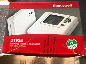 Honeywell DT92E Wireless Room Thermostat. New But Box Is A Bit Tatty