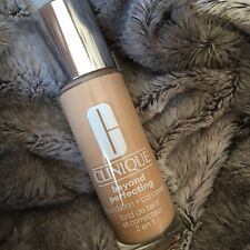 Clinique Beyond Perfecting Foundation & Concealer. Shade 7 Cream Chamois