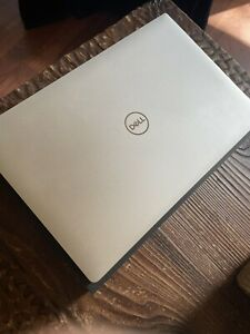 Flawless dell xps 15 7590 Laptop. Bought January 13 Retail 2500$ Used 15-20 Time