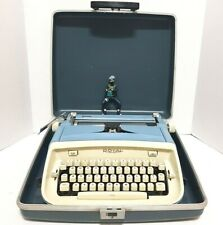 ROYAL Safari Vintage 1960's Portable Manual Typewriter With Case Blue