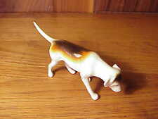 VINTAGE ENGLISH BESWICK PORCELAIN FOXHOUND DOG FIGURINE - SNIFFING #2265