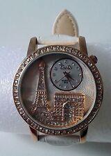 Montre fantaisie femme ou adolescente cadran décoré monuments parisiens & strass