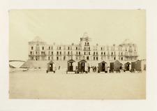Pays-Bas, La plage et ses cabanes à Scheveningen, ca.1880, vintage albumen print
