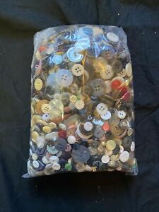 3.10 POUND LB Unsearched Assorted MIXED VINTAGE BUTTONS Retro Lot Bulk
