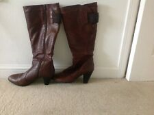 Ladies Lined brown leather knee high boots. Side zip. Size 8