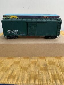HO Athearn Blue Box 40' Boxcar British Columbia Railway, BCIT #1435