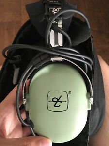 david clark Aviation Headset h10-13.4 Almost New Condition!