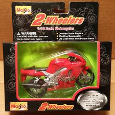 MAISTO 2 Wheelers - 1/18 Scale Motorcycle Red Kawasaki ZX7R Ninja Sport replica