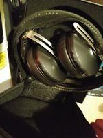 Sennheiser Momentum Wireless 2.0 around ear black warranty superb