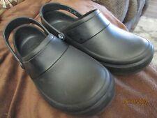 Crocs Clogs Nursing Slip Resistant Solid Black Shoes Sz Womens 6 ~~Ships FREE~~