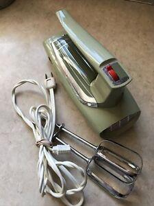 GE Midcentury Vintage Hand Mixer 30M47 Green General Electric