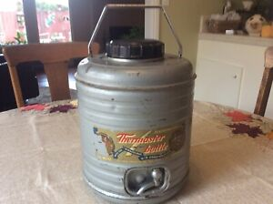 Vintage  THERMASTER BOTTLE Featherweight Metal Cooler with 2 Aluminum Cups