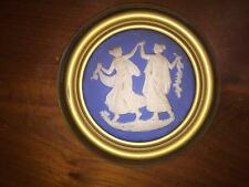 VINTAGE CAMEO PLACQUE/PLAQUE WALL HANGING...   TWO WOMAN