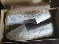 Authentic Burberry Optic white Hodgson Espadrille Flats size US 9 Good Condition