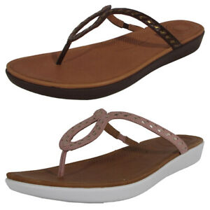 FitFlop Women Strata Whipstitch Leather Thong Sandals