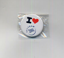 airlines memorabilia I love SKY TEAM air france delta pin badge button sealed aa