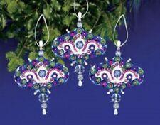 "/""Merry Choo Choo/"" Kit makes 1 Ornament Bead /& Sequin  Train"