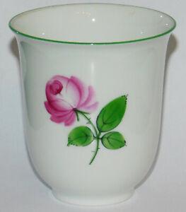 Kleine Vase Augarten Wien Wiener Rose 50/2 5089 174 Becherform 7,5cm