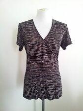 Graphic Lines! Lisa Law (N.Z.) size 10 black & beige top in excellent condition