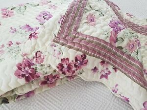 Vintage style purple lilac Luxury Traditional Quilted Bedspread Pillowsham set