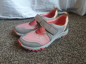 CLARKS TRIGENIC WOMENS FLAT GREY PINK COMFORT  SHOES TRAINERS SIZE UK 6 D  NEW
