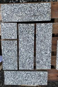 Bodenplatten Terrassenplatten Naturstein 3cm Granit grau Oberfläche geflammt 1qm