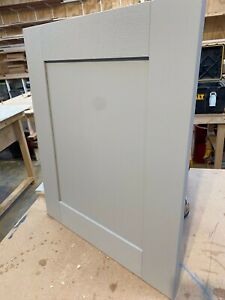Solid Wood Shaker Kitchen Doors, Ready for Painting - 20mm Thick