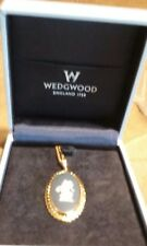 """Wedgewood jewelry portland and white Pendant Gold frame 18"""" chain in Case"""