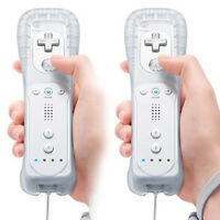 Lot 2 Remote Controller + Silicone Case + Wristband for Nintendo Wii White