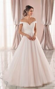 Wedding Dress by Stella York Style 6901