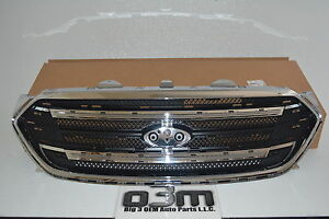 2013-2014 Ford Taurus Chrome Surround Grille Assembly new OEM DG1Z-8200-SA
