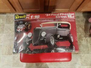 Revell 34 ford Phaeton 1/16 SEALED