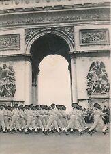 PARIS 1955 - Enfants de Troupe de l'A.O.F Revue Défilé du 14 Juillet - PR 718
