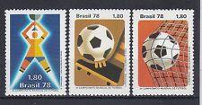 Postfrische Briefmarken aus Brasilien mit Fußball-Motiv