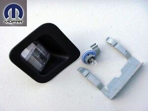 DODGE RAM 2003 - 2012 REAR BUMPER RIGHT LICENCE PLATE LAMP LIGHT HOUSING BULB