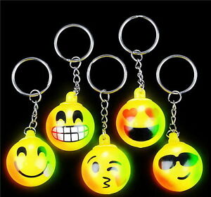 WHOLESALE LOT 50 LED LIGHT UP FLASHING EMOJI KEYCHAINS EMOTICON KEY RING PARTY
