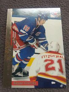 Wayne Gretzky 1996-97 leaf prefered lot of 4 include 3 vanity plates gold silver
