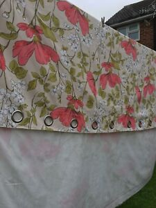2 x matching Cream Floral Lined Eyelet Curtains fast dispatch