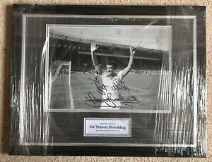 Trevor Brooking - West Ham - Original Signed Photo Mount 16x12 Framed - With LOA